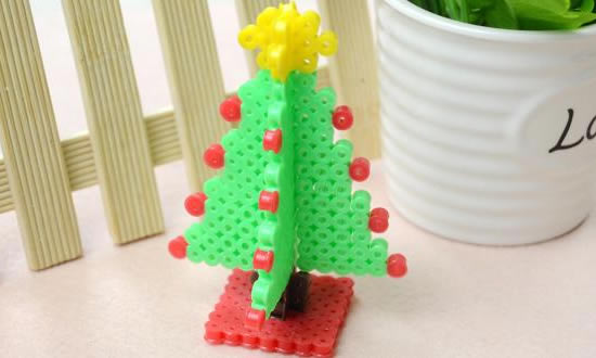 Manualidad 15 Ideas de Manualidades de Navidad con Hama Beads
