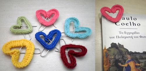 Puntos de libro con corazones de cadeneta
