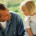 Qué hacer si tu hijo se mete en las conversaciones de los mayores
